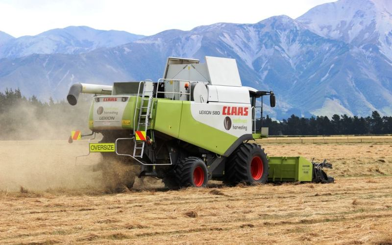Methven Harvesting (3) - Chris Woods Contracting Mid Canterbury